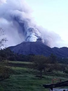 turrialba_volcano_eruption_2014-_costa_rica_3